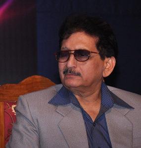 Ar. Suresh Modak <br><b>2013-2014</b>